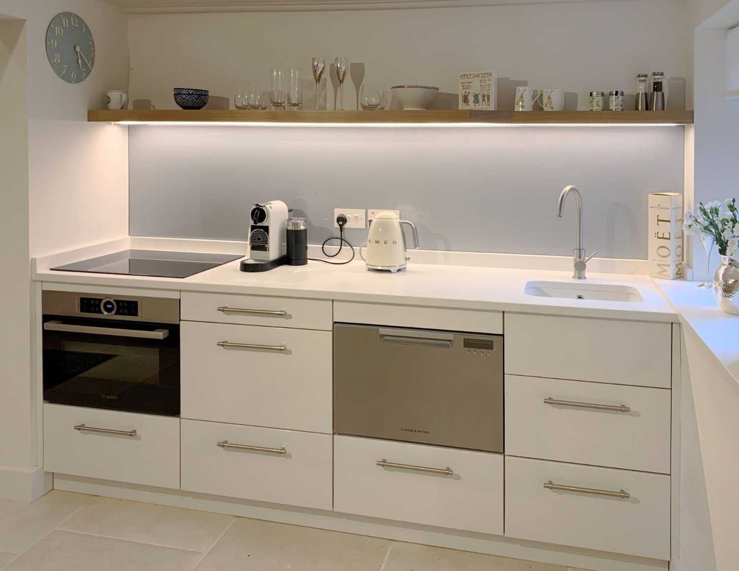 Lyne Kitchens _ Contemporary Small Kitch