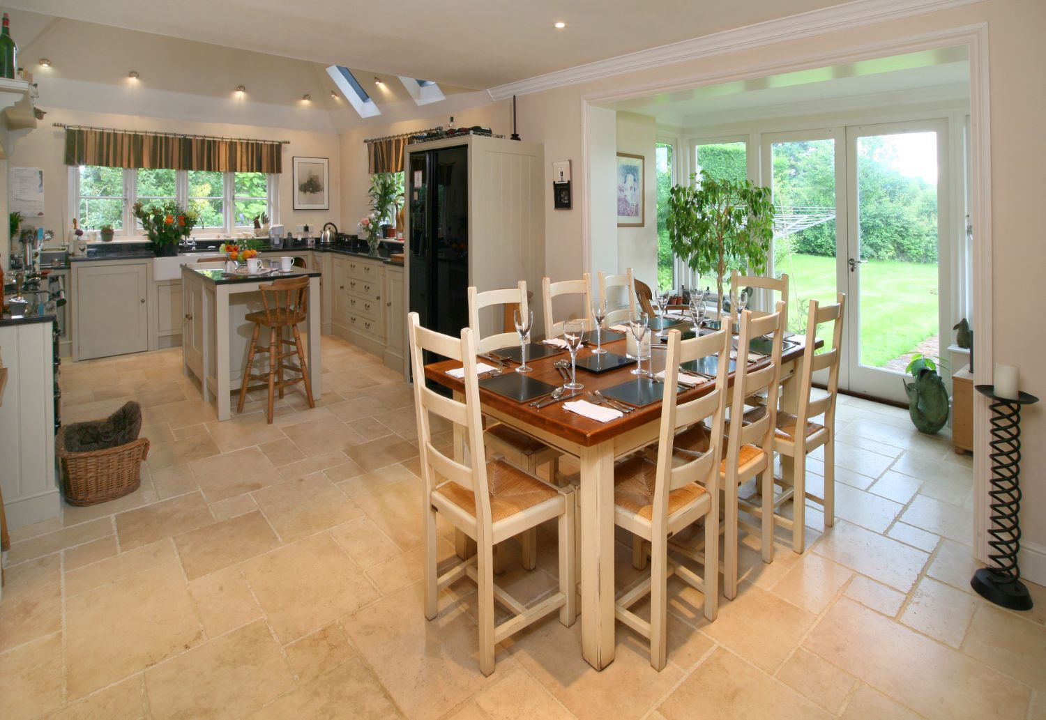 Lyne Kitchens | East Horlsey Surrey 2