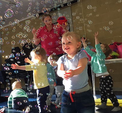 Tempo Tots parties provide musical activities and entertainment for any special occasion  – birthdays, christenings, playgroups, Christmas get-togethers, NCT parties, weddings and more!