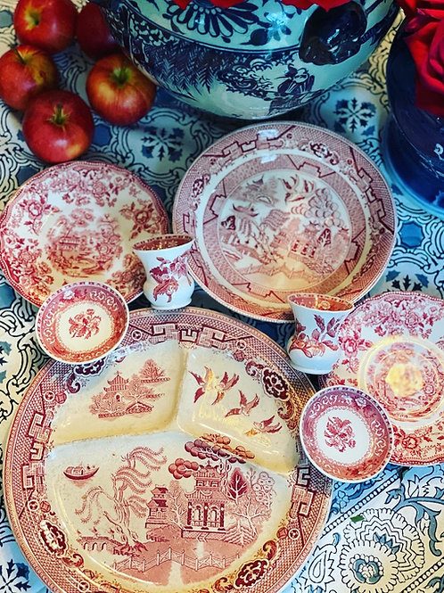 Red and white transfer ware lot