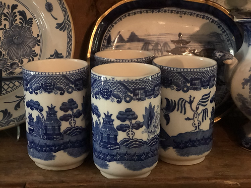 Blue willow  cups