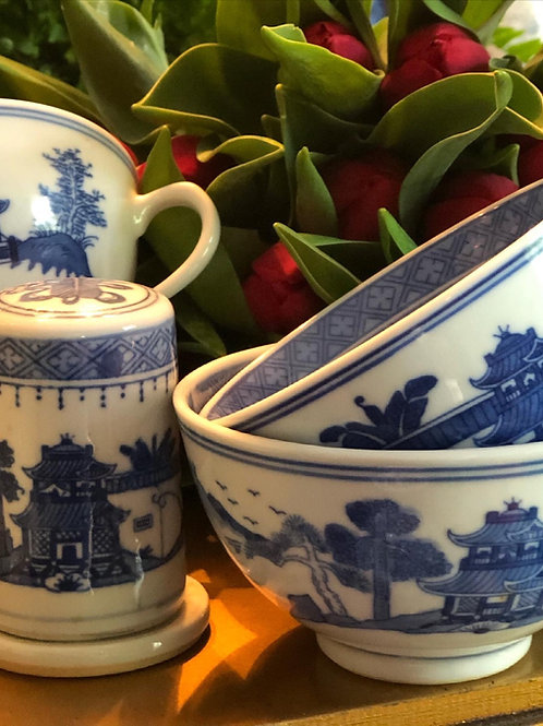 Canton teacups and ring holder