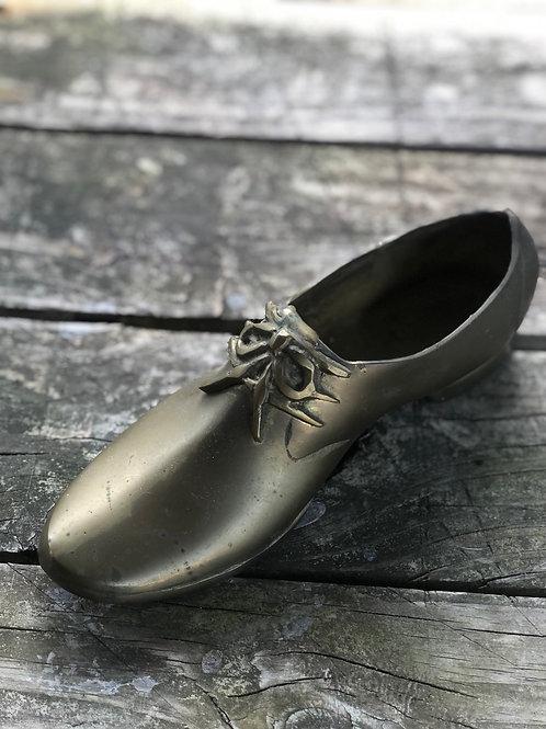 Brass shoe
