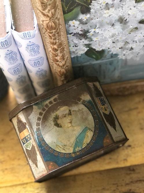 Queens commemorative tin