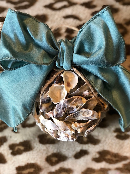 Oyster kissing ball