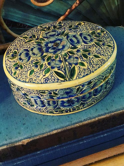 Vintage oval box