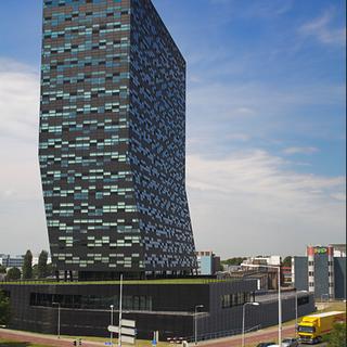 52 Degrees, Nijmegen, 25.000 offices
