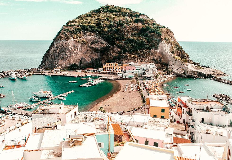 Milo Tours_Private Amalfi Coast & Bay of Naples Tours_Photo by_pexels-domenico-paolella