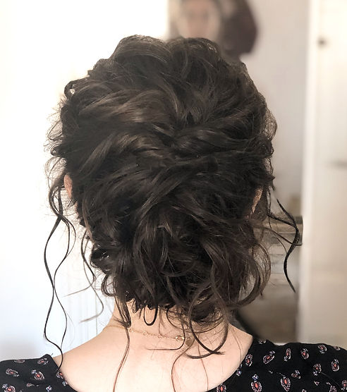 bride with natural curls