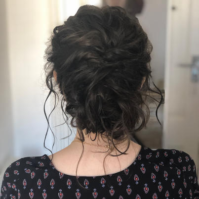 trial for a bride who wanted to keep her beautiful curls natural