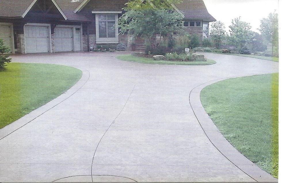 circular driveway.jpg