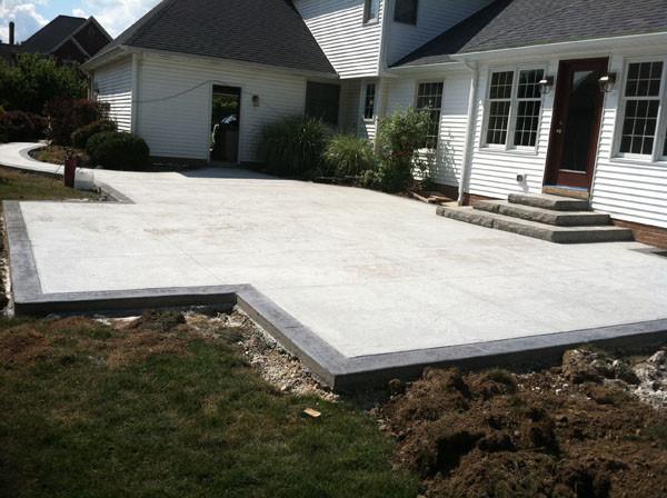 Plain patio with border.JPG