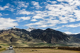 INDIA ZANSKAR VALLEY JEEP SAFARI iStock-