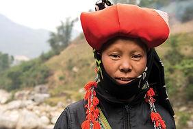 VIETNAM TREKKING SAPA RED DAO WOMAN iSto