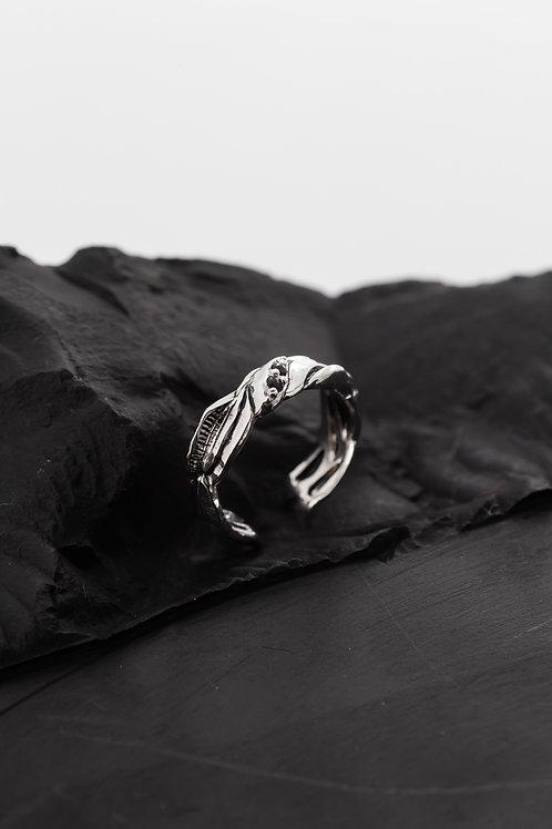 Ring01 MONTHAROP