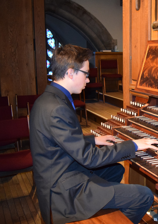 Phineas Pope at House of Hope Organ
