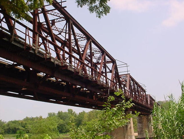 Carpenter_Bluff_bridge_below-985x748.jpg