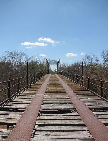 Fort_Griffin_Flat_bridge_1870s_approach-