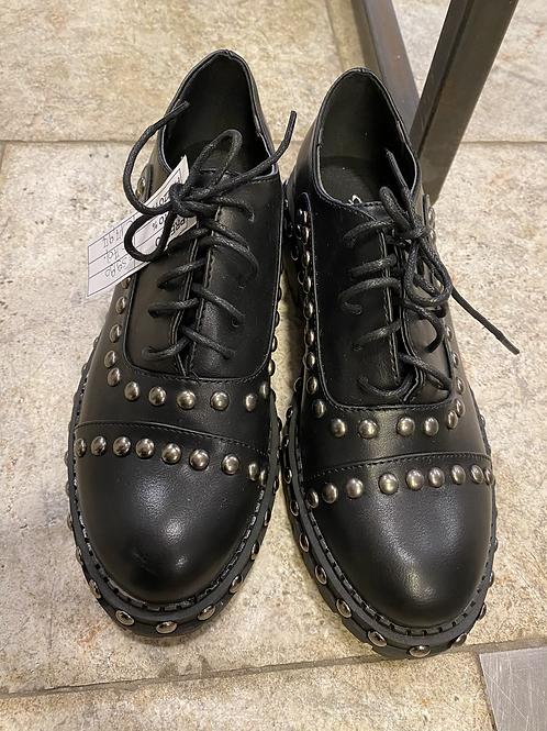 Scarpe borchiate