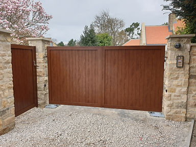 Yorkshire Fabricated Aluminium Automated Gate