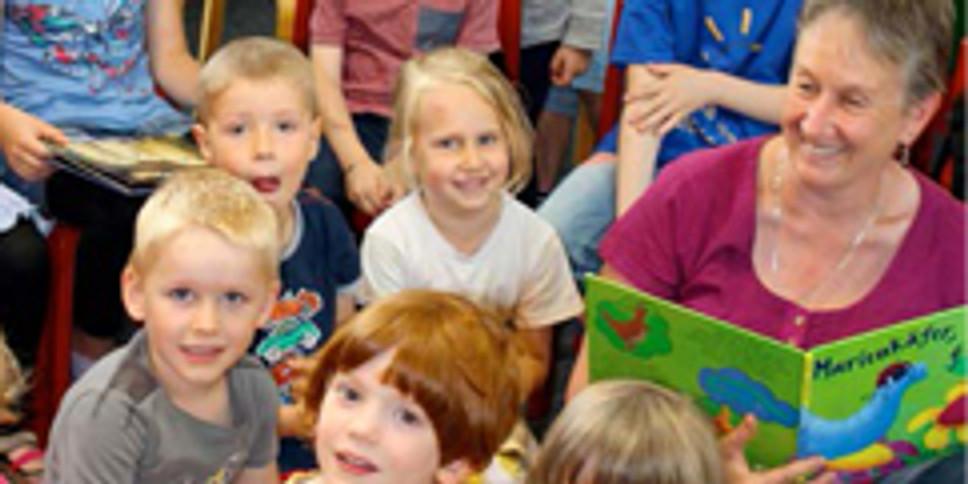 Bibliothek: Märchen + Geschichten für Kinder ab 3 Jahren