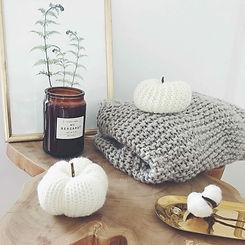 KnittedPumpkins.jpg