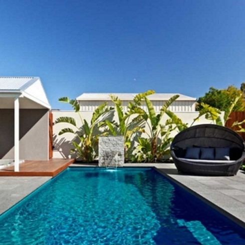 Compass-Pools-Contemporary-Pool-Shape.jp