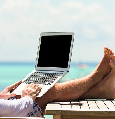 laptop-lifestyle-2000x1200_edited.jpg