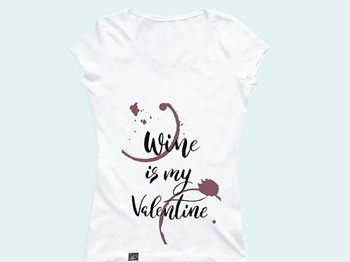 Футболка с надписью  «Wine is my Valentine»