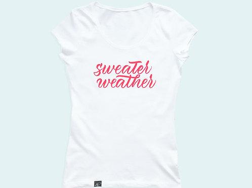 Футболка с надписью «Sweater weather»