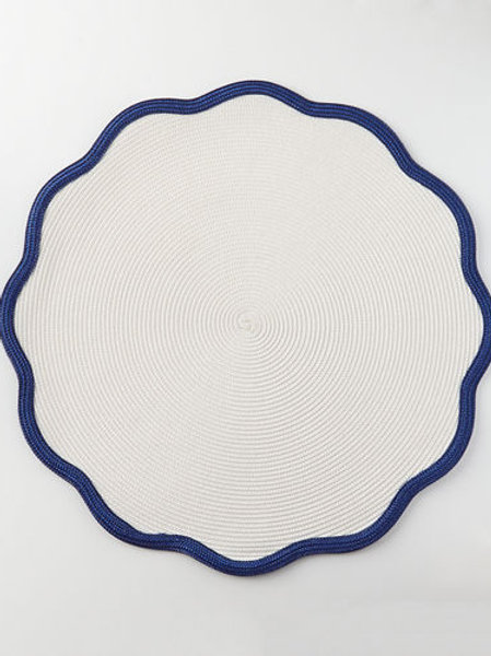 Scallop Round Placemat