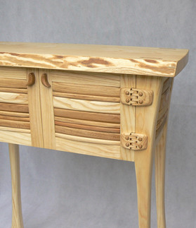 consul table detail