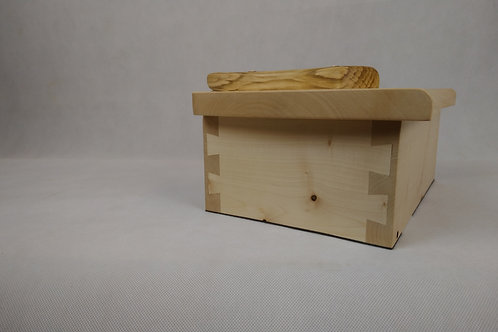 sycamore and cherry strap hinge box