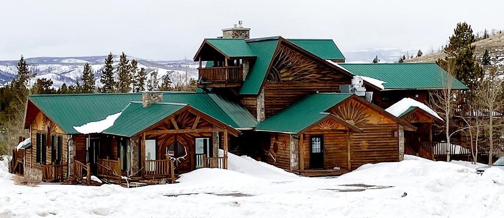 Custom home log cabin beautiful architecture near Dubois, Wyoming