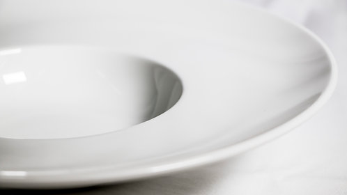 White large rimmed soup bowl 湯碟