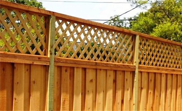 Lattice Topped Privacy Fence