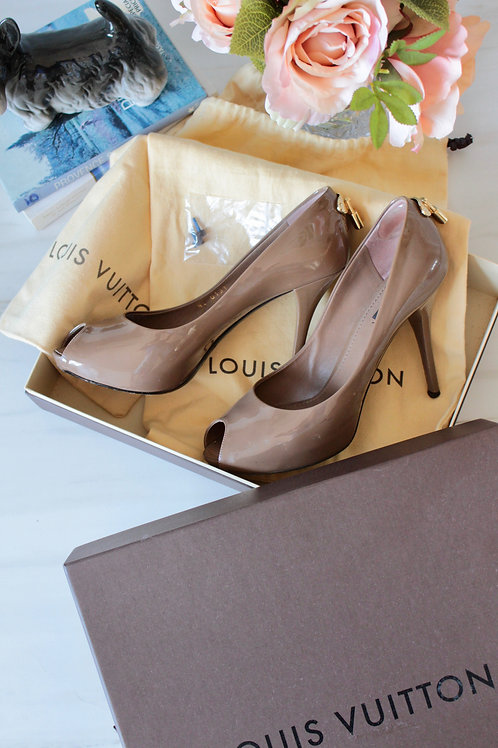 Sapato Louis Vuitton Peep Toe #20-1097
