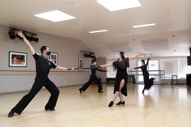 Indoor social distancing dance class