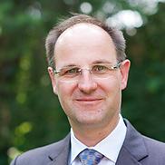 Dr Stefan Hild - headshot.png