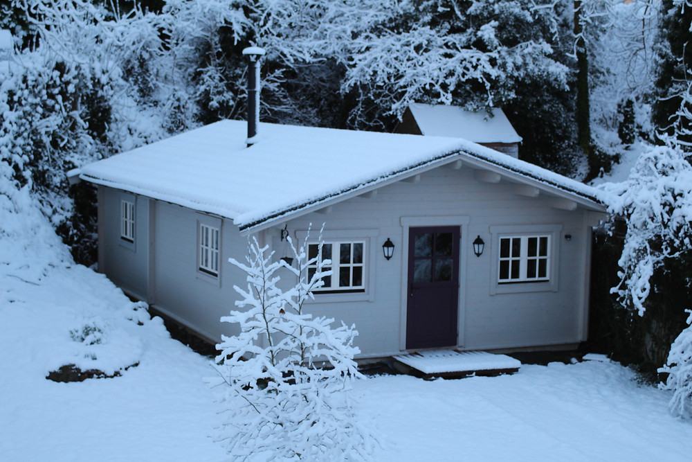 Yimberliving Log Cabin showhouse in Boyle