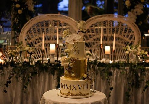 Sarah + Gerado _ love cake ._Rich dark c