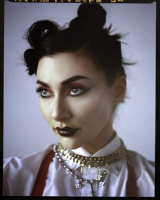 MAKEUP - QVEEN HERBY
