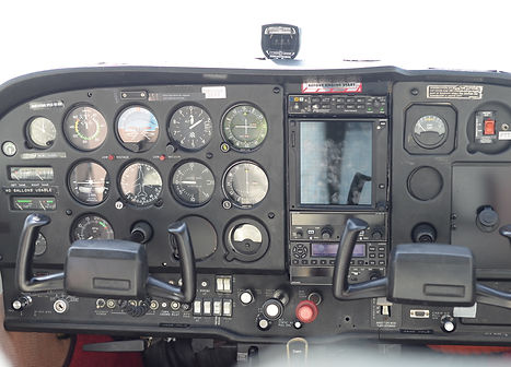 Cessna instrument cockpit