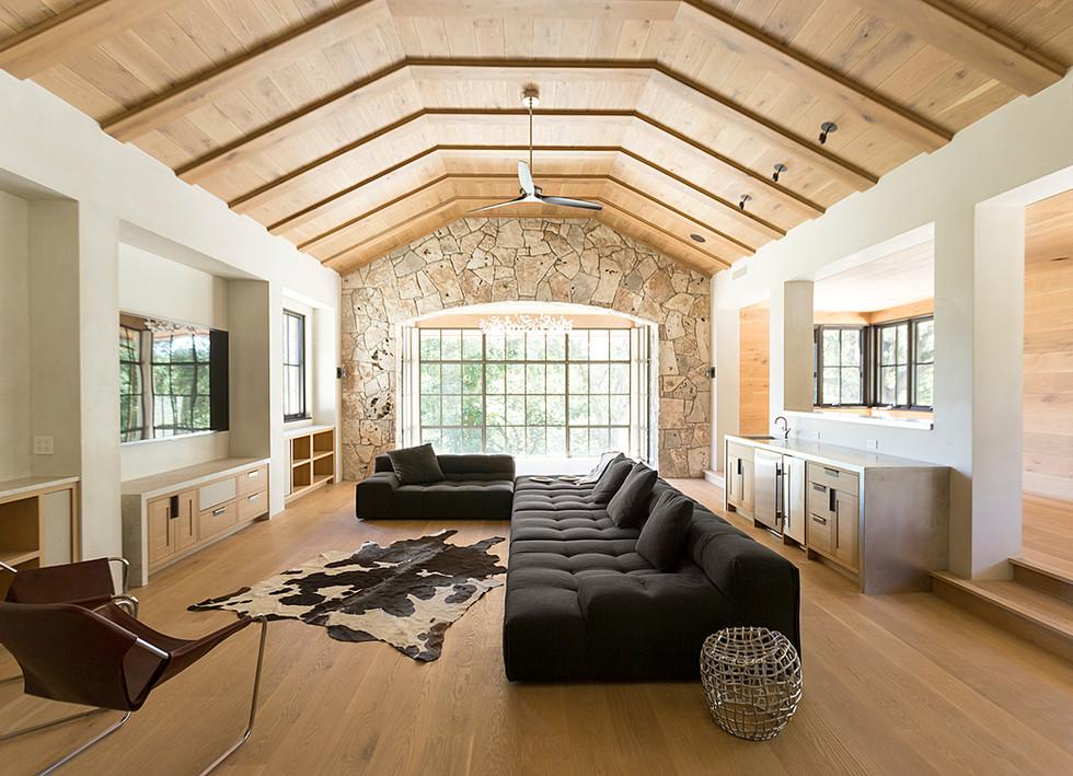 Live Sawn Oak Hardwood Flooring