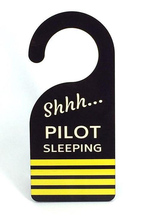 DOOR HANGER PILOT 4