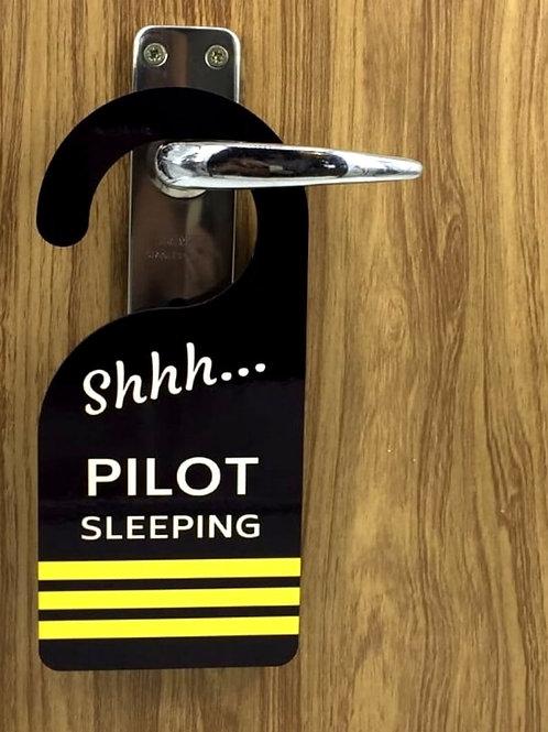 DOOR HANGER PILOT 3