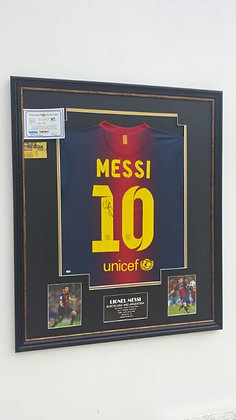 Signed Messi shirt