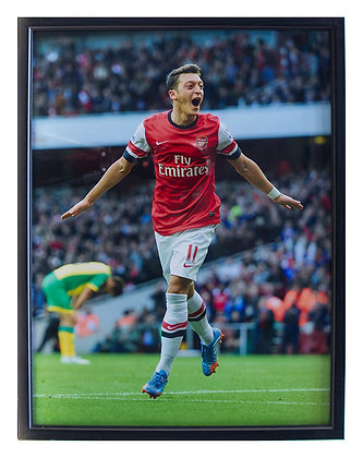 "Ozil ""Double"" - Mounted Print"