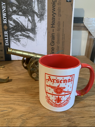 Old crest mug red and white