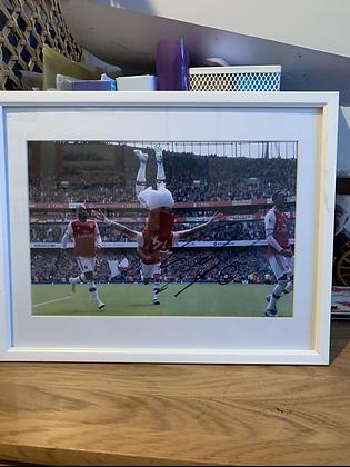 Auba signed frame